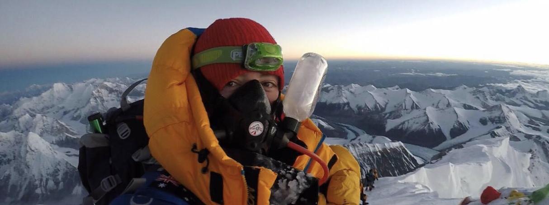 women mountaineering